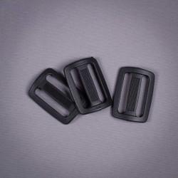 Пряжка 30мм пластик черный